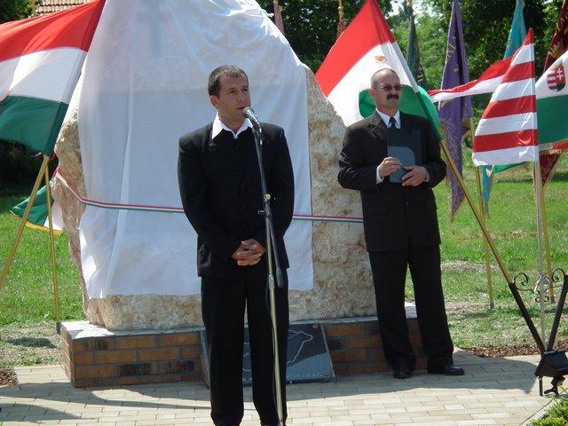 Trianon emlékmű avatása 2011